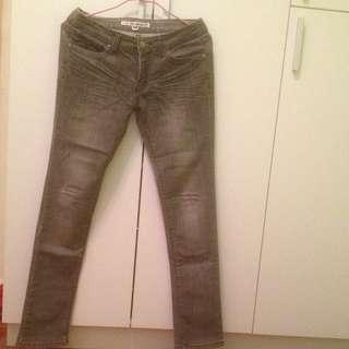 灰色刷白牛仔長褲