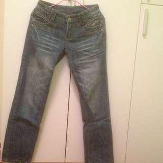 刷白牛仔直筒褲