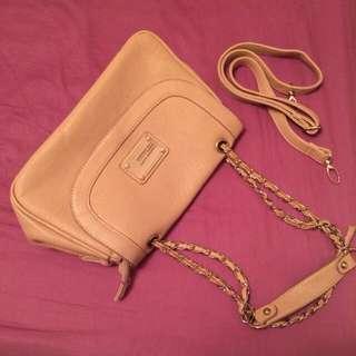 淡粉色肩背包(免運費)