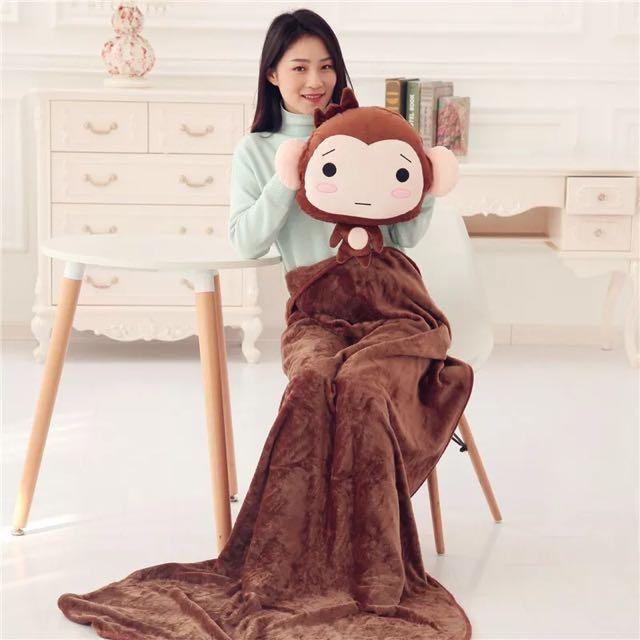 猴子毛絨玩具龍貓暖手抱枕被子兩用可插手三合一空調被生日禮物女生最愛可愛小猴子抱枕暖手冷氣毯 五款樣式 100*170公分