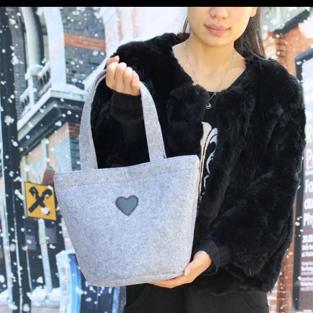 日本可愛百搭 圓筒毛氈便當包手提搭扣便當袋