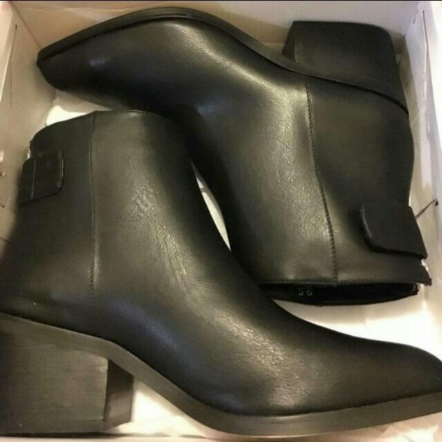 Lipstik Addison Boots Size 9.5