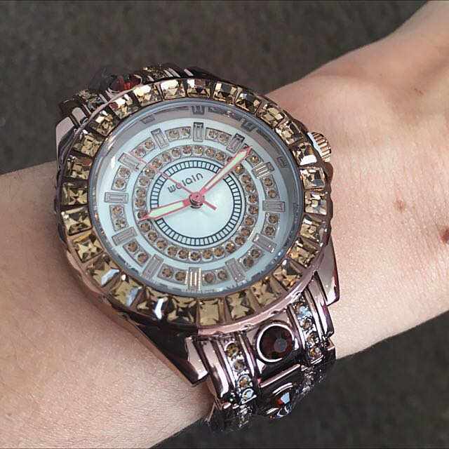 Valentine's special! $10 off!  Now only $49! Luxurious Artificial Diamond Stainless Steel Quartz Wrist Watches