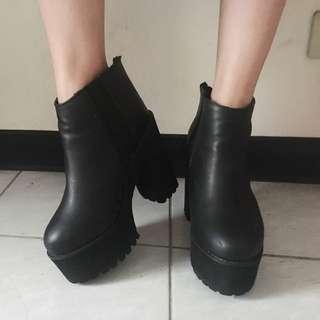 正韓高跟靴原價1700便宜售