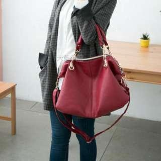 酒紅色手提包