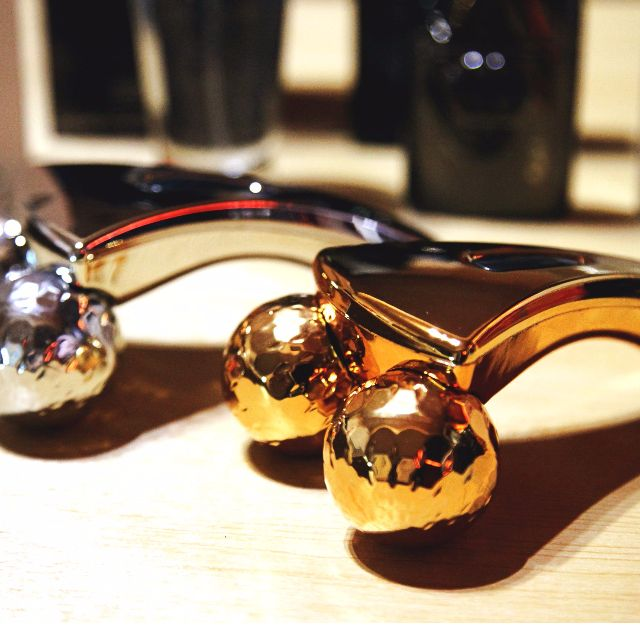 3D massager 立體鑽石球滾輪器 瘦臉神器 美容棒 Y型瘦臉 鑽石球滾輪棒 瘦臉器 按摩棒 瘦下巴 黃金美容棒