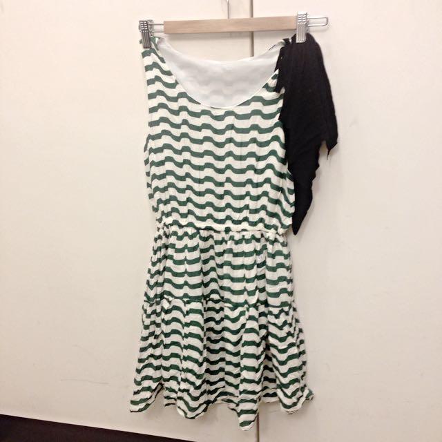 二手綠白條紋洋裝肩部裝飾