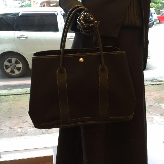 🎀快過年了 給自己一個禮物吧 💝艾馬仕包 帆布+牛皮 保證正品 H年 36cm