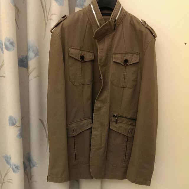 超低價出清㊣※專櫃O3 Men's軍綠外套