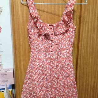 粉嫩小碎花洋裝 內附短褲好方便