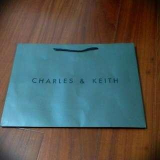 Charles & Keith 小ck 中紙袋