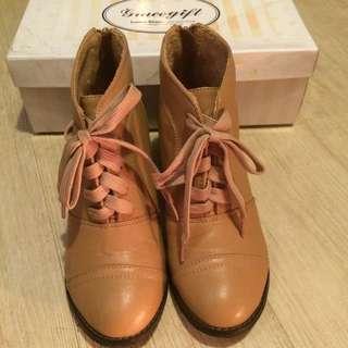 🚚 Grace Gift 高跟短靴