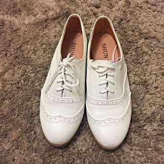 [出清品]女鞋 白色平底休閒鞋 22.5號