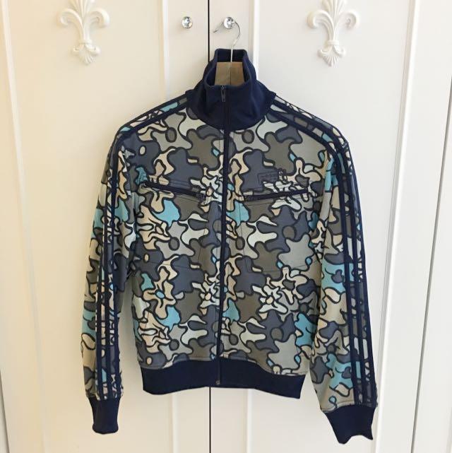 愛迪達藍迷彩外套