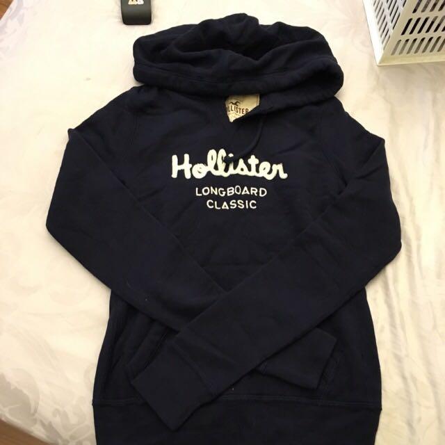 Hollister 深藍連帽T XS