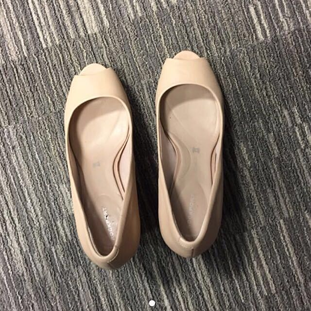 Rockport Nude Beige Working Wedge Shoes