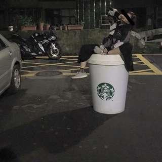 Starbucks 2手巨大杯子桌(木頭)