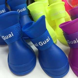 「顏色.尺寸齊全」防水寵物雨鞋(大小可自由調整)