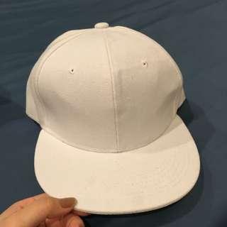 白色百搭帽子