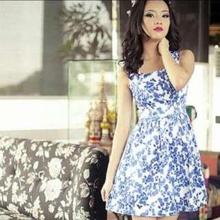 🚚 MGG Porcelain floral pom pom dress in Blue