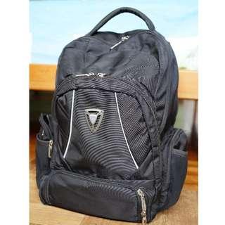 BLACK TRAVEL/SCHOOL/GYM BAG (USED)