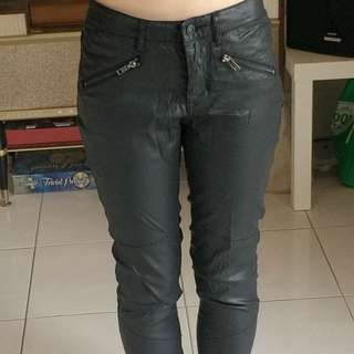 Country Road Shiny Black Pants With Zips Size 4