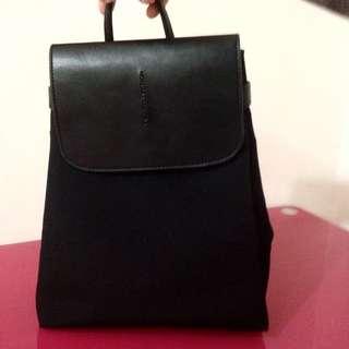 黑色小背包