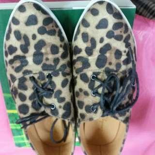豹紋尖頭鞋