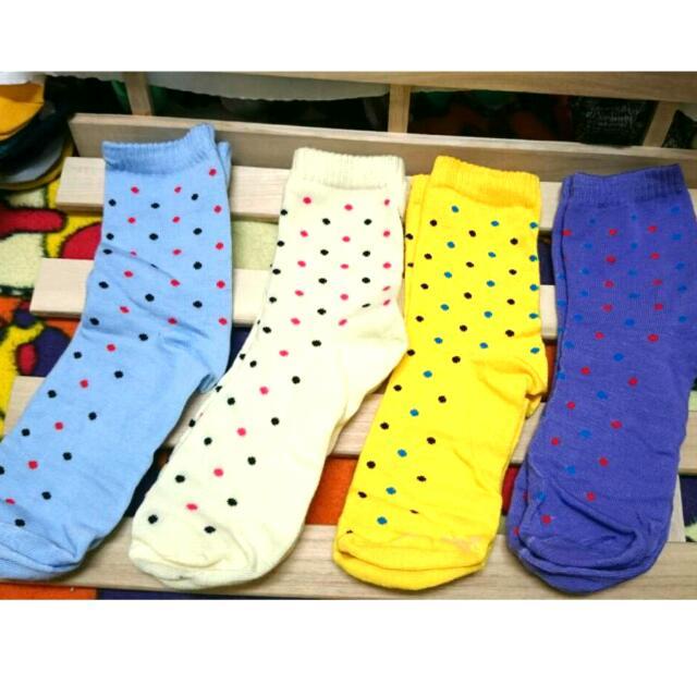 🌉🎠可愛點點中筒襪🌃🗽