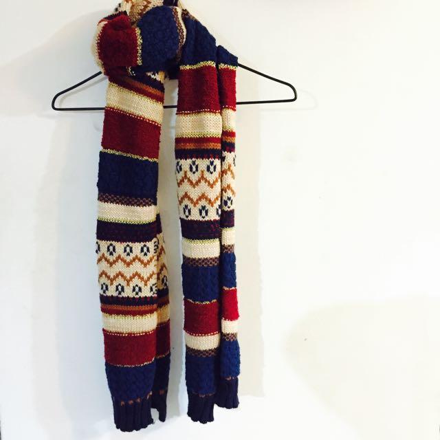 《圖騰圍巾》