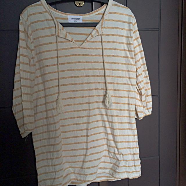 芥黃圖騰條紋洋裝