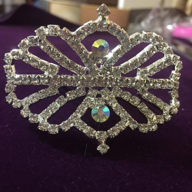 全新。新娘飾品。施華洛世奇七彩水鑽+白鑽 髮叉式小皇冠