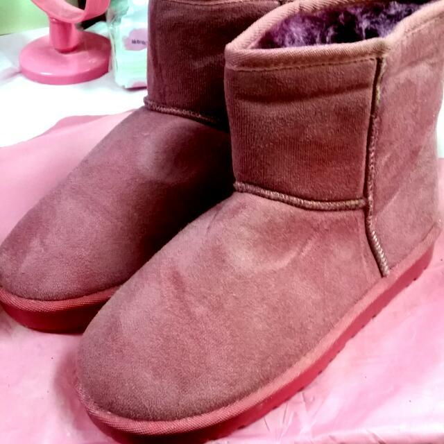 紫紅色雪靴