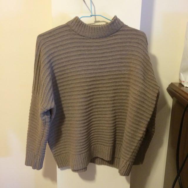 素面橫紋坑條針織毛衣