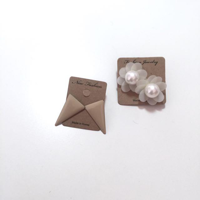 花朵 三角型 耳環 (單賣)