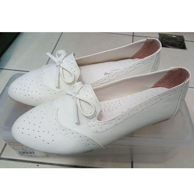 娃娃鞋 純白色 / 尺寸:24.5