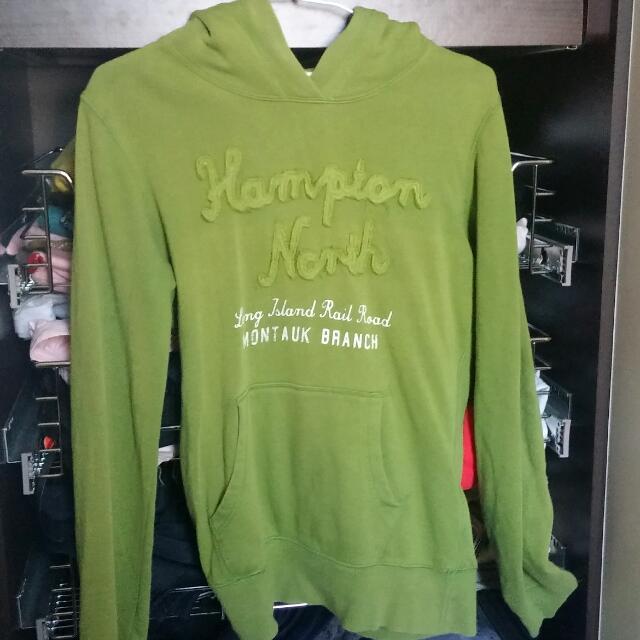 H&M 草綠帽T