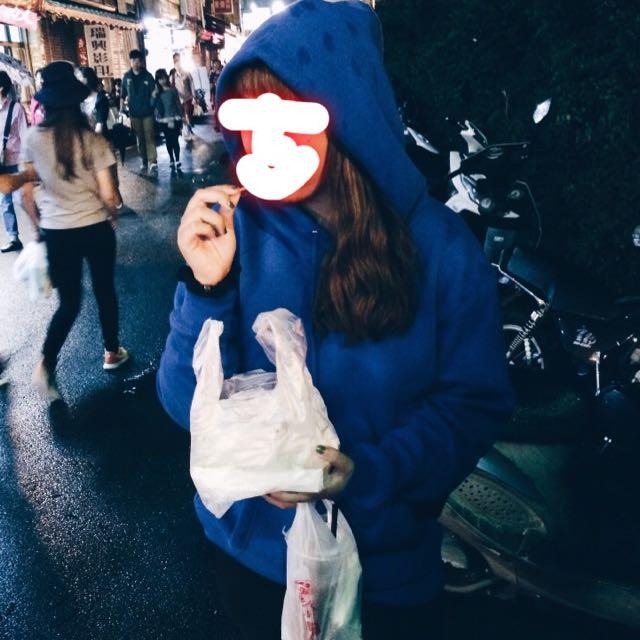 (待匯款)💙oversize寶藍色帽t
