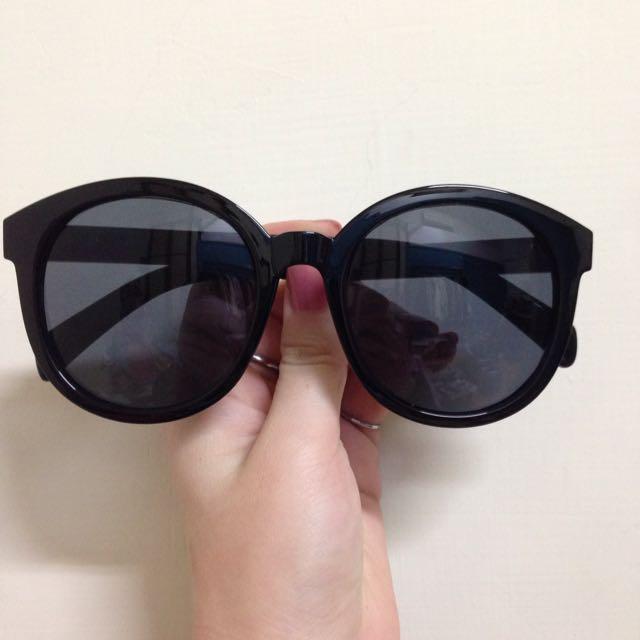 太陽眼鏡-側邊小v字不誇張圓框