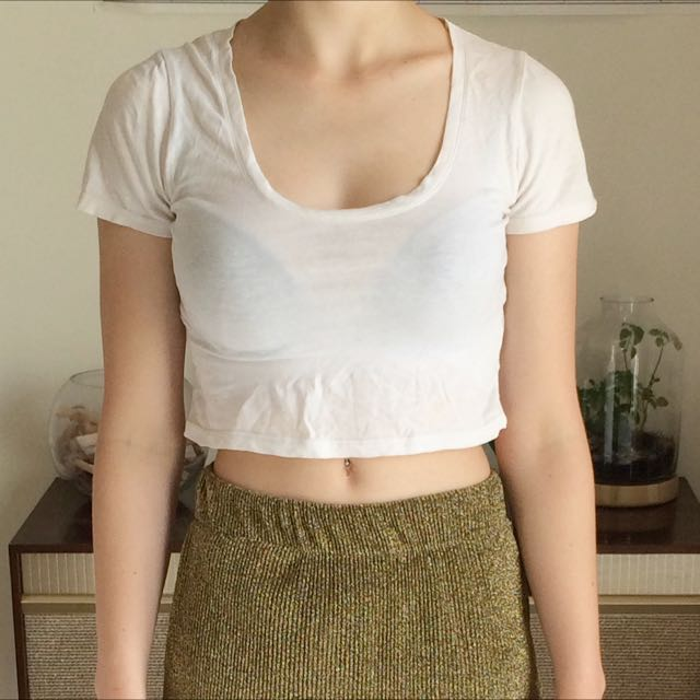 White Cropped Tee Size S-m
