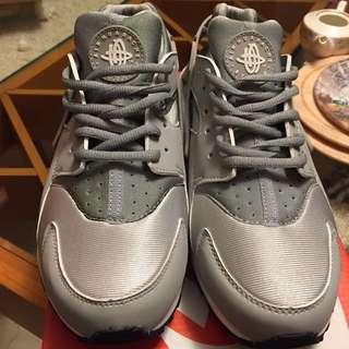 NIKE AIR HUARACHE 全新配色 灰銀 武士鞋
