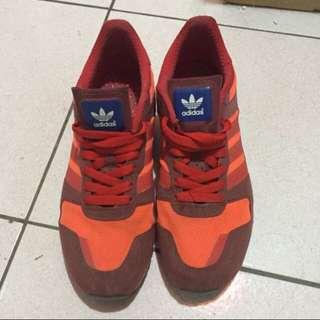 Adidas橘紅 鞋號26號 (含運)