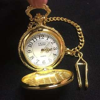 (全新)SWISS MARINE 復刻版雕花石英懷錶 (浮雕)