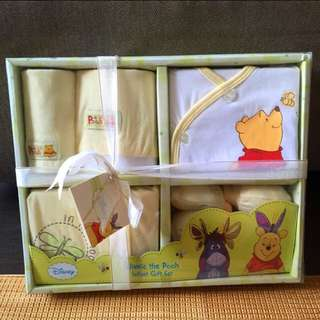 Winnie The Pooh Baby Gift Set (Brand new*)