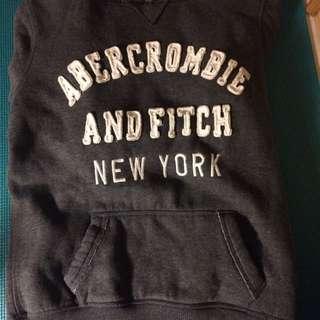 (已售)Abercrombie & Fitch 帽t 9成新