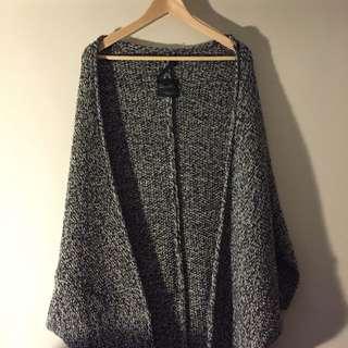 Zara 灰色披風外套
