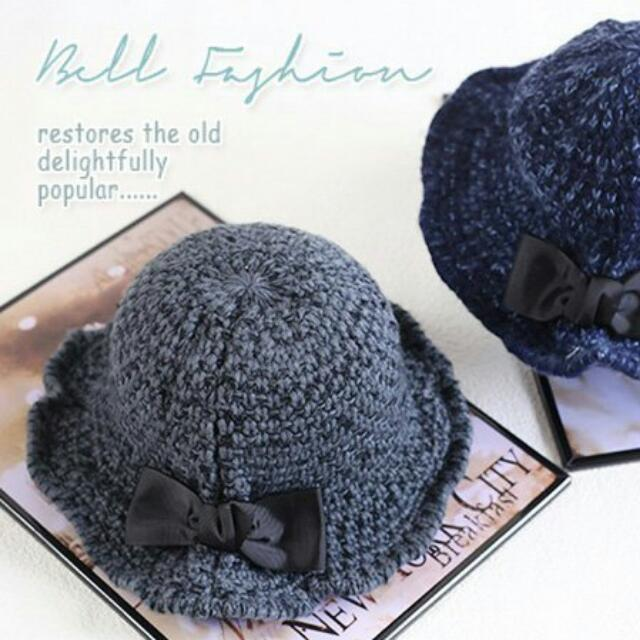 灰色保暖毛帽