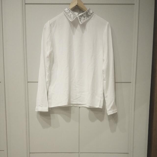 白色雪紡有領長袖上衣