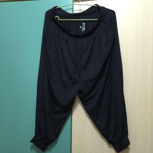 二手 瑜珈 運動 休閒 透氣飛鼠縮口褲 MIT
