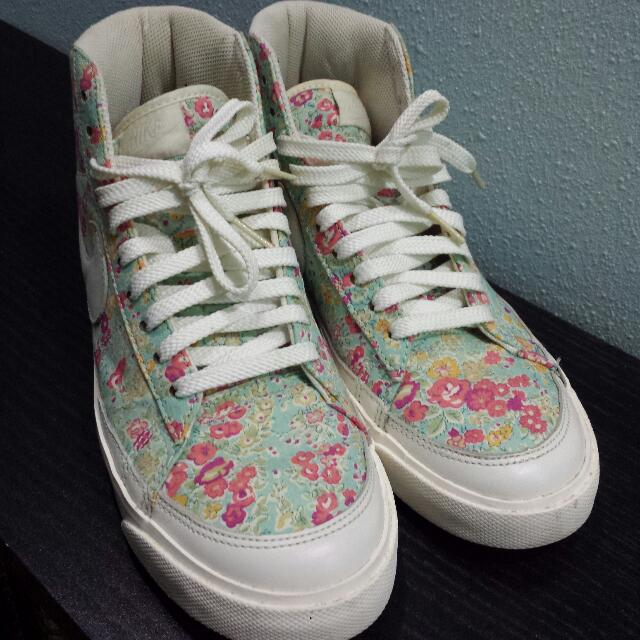 best loved e73ec 52a4f Authentic Nike Liberty London Floral Highcuts, Women s Fashion on Carousell